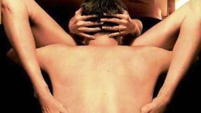 Bir Kadına Oral Seks Yapma Teknikleri!