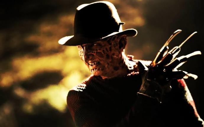 İki Yıkım Makinası Karşı Karşıya! Freddy Jason'a Karşı