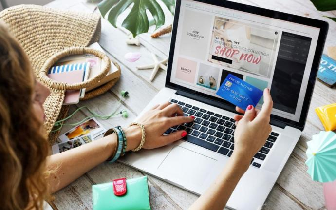 İnternetten Alışveriş Yapmanın En Güvenli Yolu: Sanal Kart Nedir, Nasıl Kullanılır?