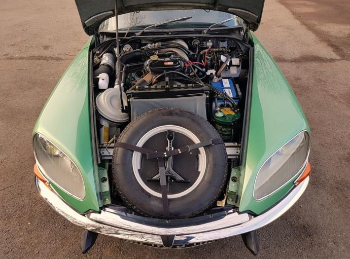 Citroen DS19 motor kısmı