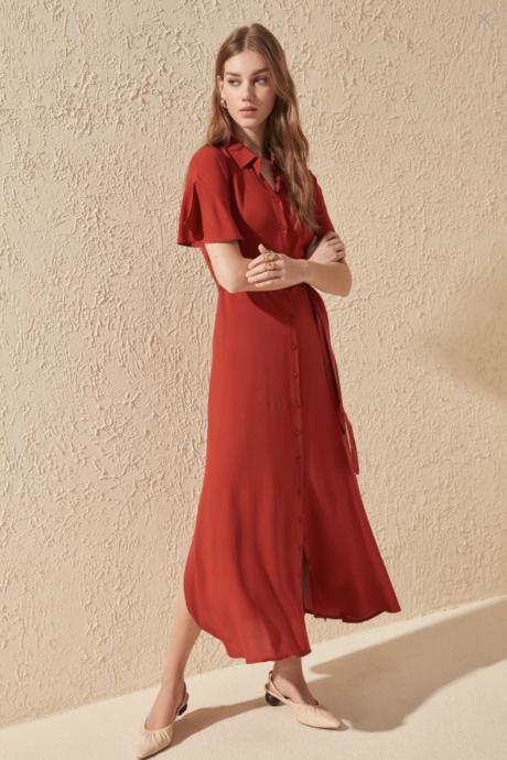 Moda Eleştirmenim Olur musun? Romantik Sonbaharın En Rahat Maxi Elbiselerini Sen Yorumla