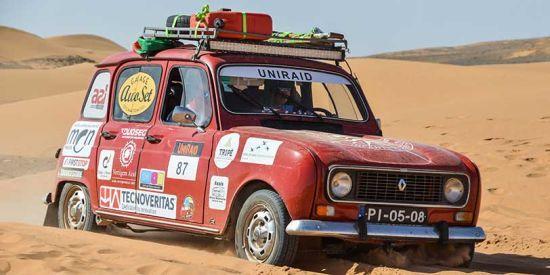 4 çekerli R4 Paris-Dakar rallisinde