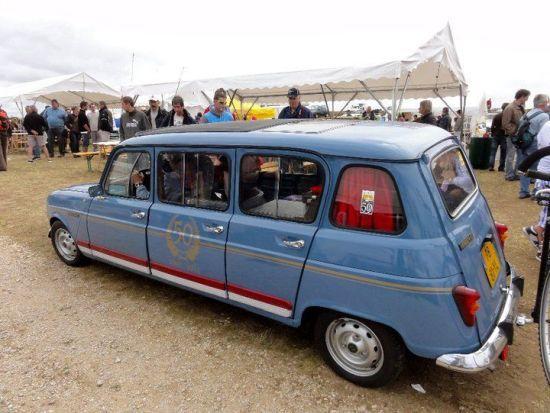 Kuzey Afrika ülkelerinde modifiyeciler tarafından yapılan R4 limuzin Ama bu toplu taşıma için kullanılmış