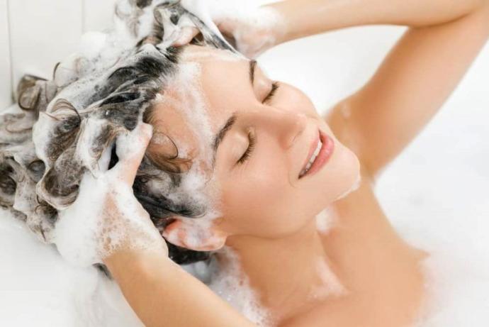 Sağlıklı, Canlı ve Işıl Işıl Saçlara Sahip Olmanın Yolları Nelerdir?
