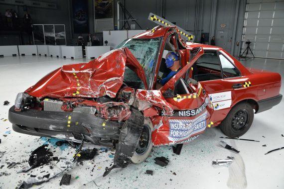 Global Ncap testlerinde gazete kağıdı gibi buruşan Nissan Tsuru üretimden kaldırıldı.