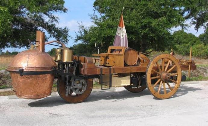Nicholas Joseph Cugnot tarafından yapılan ve adına FARDIER dediği ilk motorlu taşıtın bir replikası