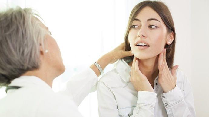 Kendi Küçük, İşlevi Büyük: Tiroid Hormonu Düzensizliğini Gösteren İşaretler!