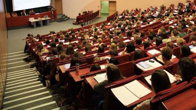 Türkiyedeki Gençlerin En Büyük Sorunu: Gelecek Kaygısı