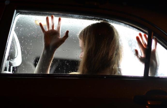 Adrenalin Dolu Bir Fantezi: Arabada Seks Yaparken Dikkat Etmeniz Gerekenler