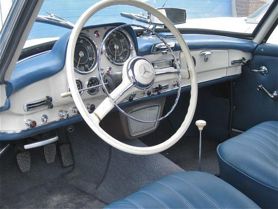 190 SL iç kokpiti amerikan zevkine göre dizayn edilmişti