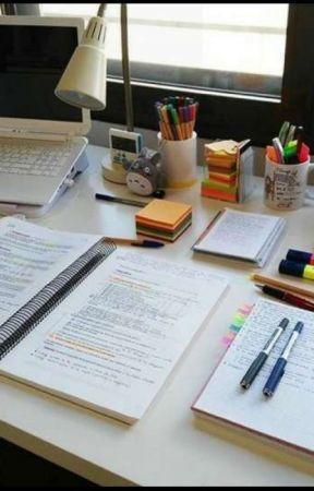 Ders çalışmanın püf noktası çalışma masasıdır.