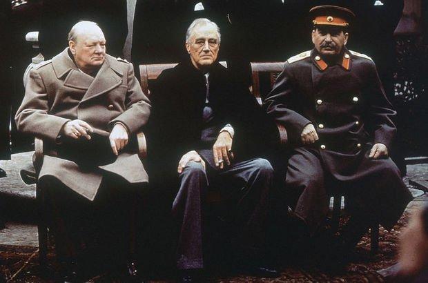 Yalta konferansında üç lider. Winston Churchill, Franklin Roosvelt ve Josef Stalin