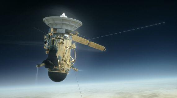 Satürne giden Cassini uzay aracı