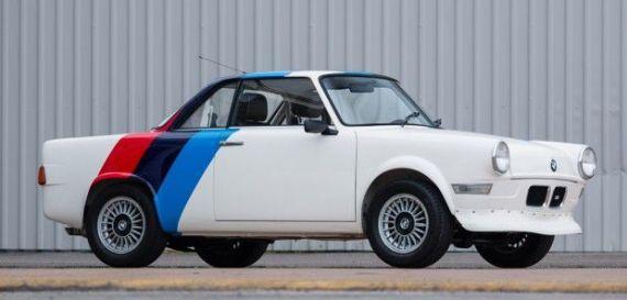 Rallilerde kullanılan BMW 700 araçlardan biri