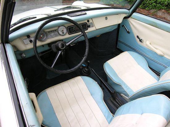 BMW 700 hoş bir iç tasarıma sahipti