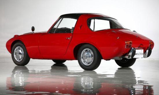 1960ların tasarımları içinde estetik olarak güzel bir arabaydı Toyota sport 800