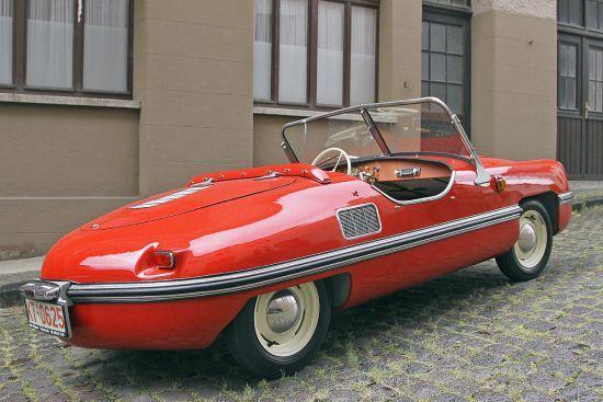 Gerçekten tasarım çizgileriyle her açıdan güzel bir arabaydı Spatz