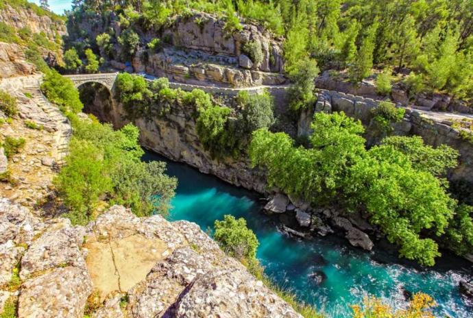 Bahar Gelirken Doğa Bizi Çağırıyor: Türkiyenin En Güzel Milli Parkları