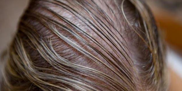 Saçlarının Çabuk Yağlanmasından Şikayetçi Olanların İşine Yarayacak 6 İpucu!