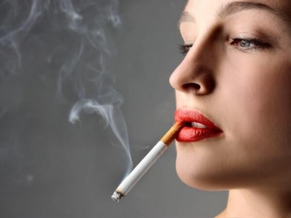 O Sizi Bırakmadan Siz Onu Bırakın: Sigaranın Kadın Sağlığı Üzerindeki Görünen ve Görünmeyen Etkileri