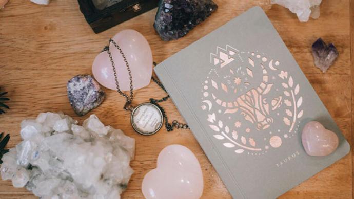 Kristal taşlar ve kristal terapi hakkında bilgiler