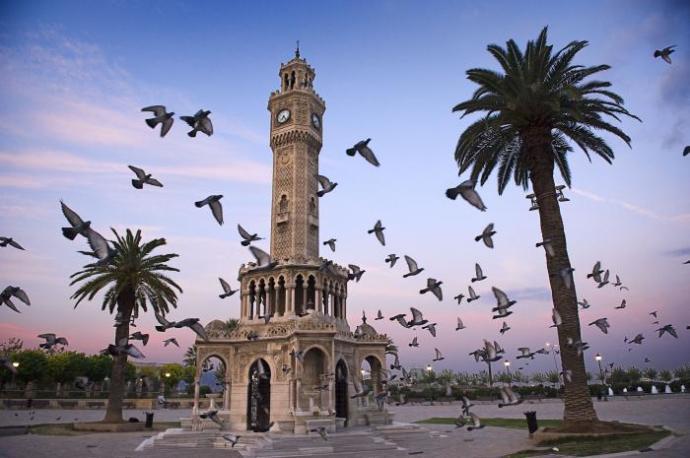 Deniz Kokulu Muhteşem Şehir: İzmir Denince Akla Gelenler ve İzmir Denince Akıldan Çıkanlar!