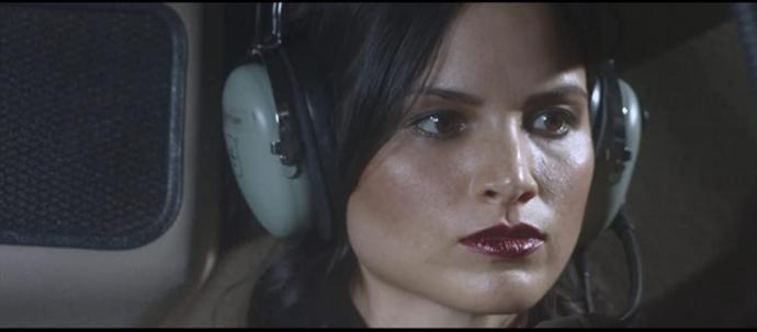 Katrina Law Katana rolünde...