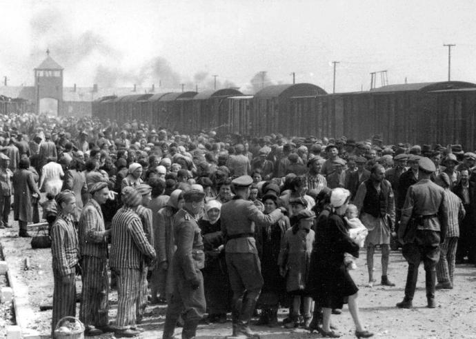 Yahudilere Yönelik Yapılan Zulümlere Yardım Elini Uzatan İki Devlet Tek Millet