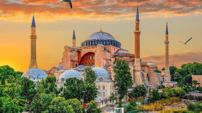 Aşkın, Hasretin, Ortak Mirasın En Güzel Şehri İstanbul