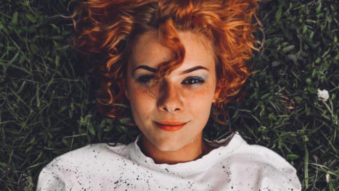 Kıvırcık Saçlarla Beraber Gelen Görüntüsü Kadar Muhteşem 10 Ayrıcalık!