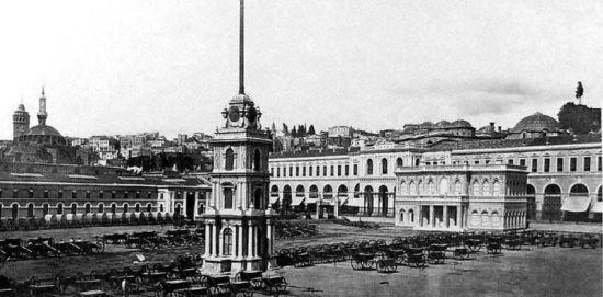 Forda kiralanan Tophane kışlası 1864de geçirdiği yangından sonra kullanılmayıp atıl vaziyette kalmıştı