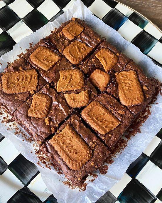 Çikolatalı Tatlıların En Güzeli Brownie Ama Bu Sefer Fıstık Kremalı