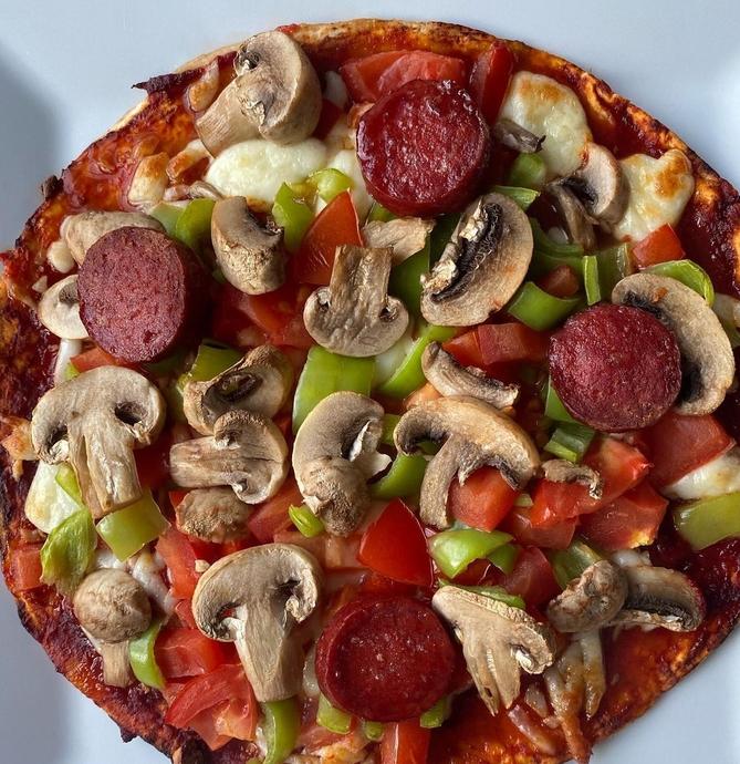 Hamur Yapmaya Üşenenler İçin Lavaş Pizza Tarifi