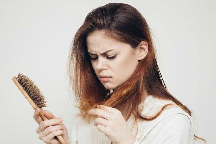 Saç Dökülmelerine Son: İşte Saç Dökülmelerinizi Durdurmak İçin Tavsiyeler!