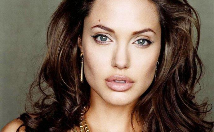Onlar Benleriyle Daha Çekiciler; İşte Benleri İle Daha Güzel Olan Kadınlar!