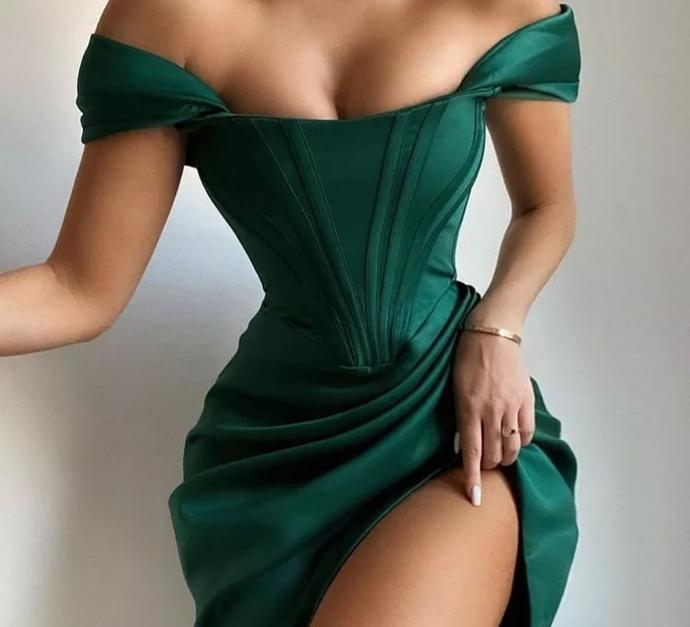 Gittiğiniz Davette Parıl Parıl Parlamaya Hazır mısınız! En Çekici Elbise Önerileri Burada!