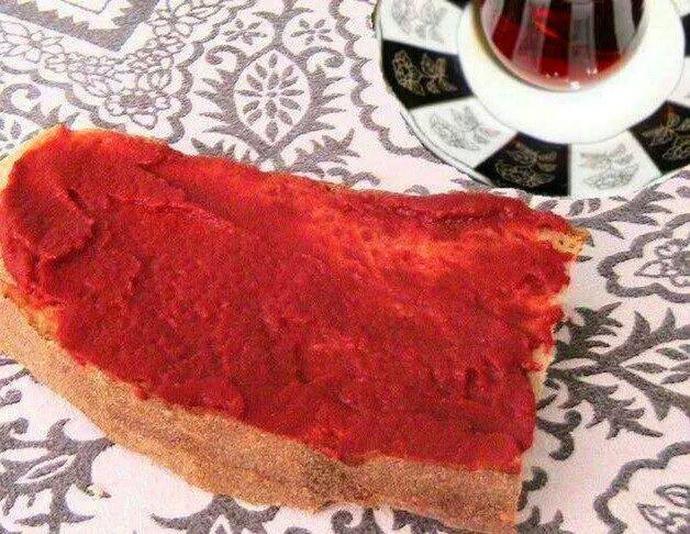 Salçalı ekmek