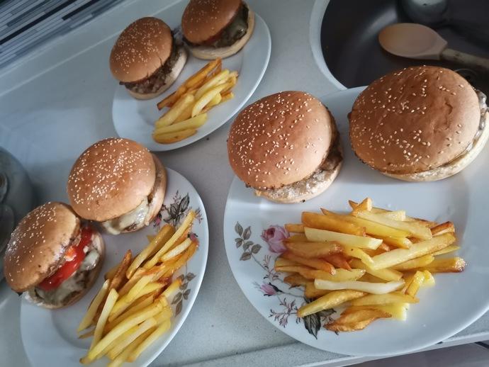 Yapmazsam Olmaz! En Güzel Hamburger Köftesi Tarifi!