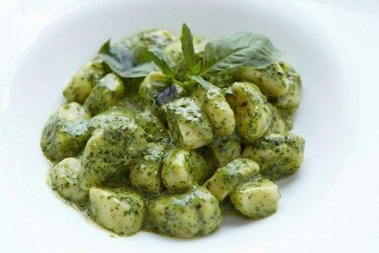 İtalyan Lezzeti Ayağınıza Geldi! Evde Rahatça Yapabileceğiniz Gnocchi Al Pesto Tarifim!