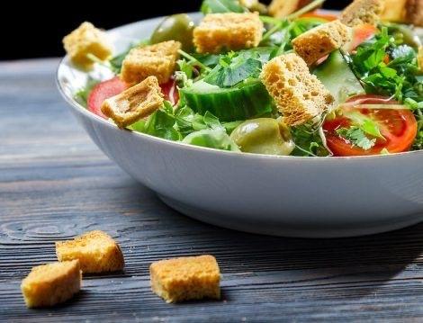 Dışarıda Yemek Yerken Neye Dikkat Edilmeli? İşte Doğru Menü Seçme Yöntemleri!