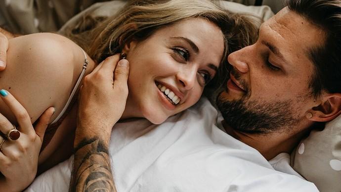 Ayağı Yerden Kesilmiş Aşıklara Yer Çekimi Niyetine! Bir İlişkide Olması Gereken Aşktan Daha Önemli Bileşenler