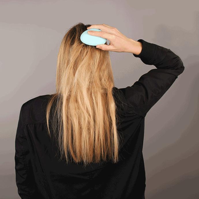 İşte Saç Taramanın Faydaları! Yoksa Siz Saçlarınızı Sadece Duştan Çıkınca Mı Tarıyorsunuz?