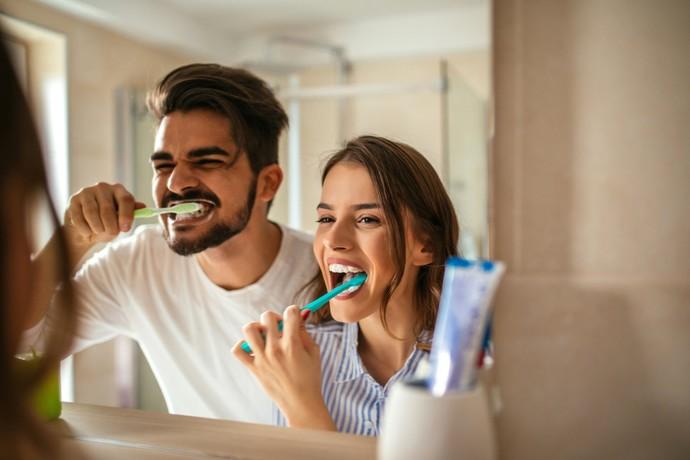 Dişinizi Doğru Fırçalıyor Musunuz? Daha Sağlıklı Dişler için Size Doğru Fırçalama Tekniğini Anlatıyorum!