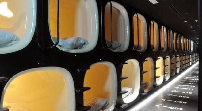Japonya'da bir kapsül otel
