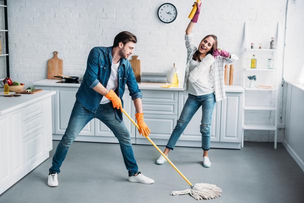 Birlikten Kuvvet Doğar: Temizlik İşlerini Bölüşürken Nelere Dikkat Etmelisin?