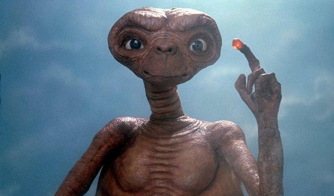 Oyun Sektöründe Kriz Getiren ve En Kötü Oyun Unvanı Alan Oyun: E. T. The Extra-Terrestrial
