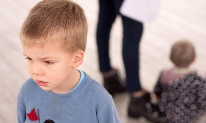 Kardeş Kıskançlığının Nedenleri Nelerdir ve Nasıl Önlenir?