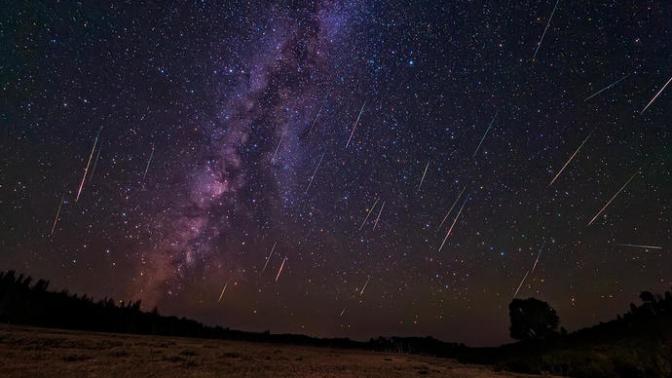 Bu Gece Perseid Meteor Yağmuru Sizi Bekliyor!
