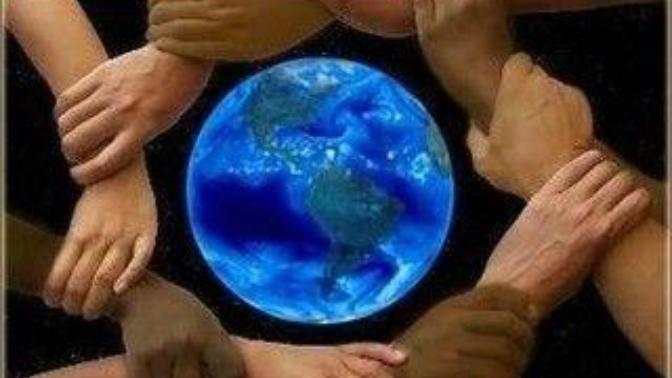 Dünya; kötüIük yapanIar değiI, seyirci kaIıp hiçbir şey yapmayanIar yüzünden tehIikeIi bir yerdir.