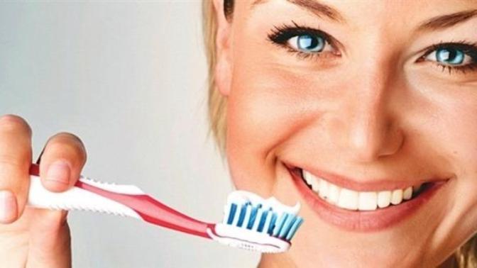 Diş Lekeleri  Neden Oluşur ve Tedavisi Nedir?